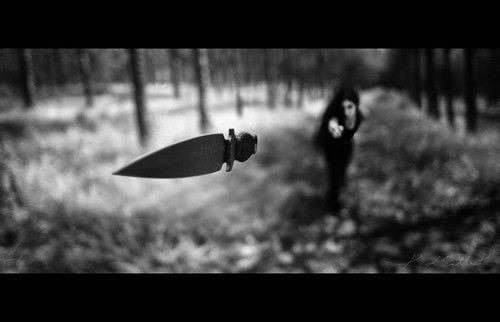 black,and,white,knife,macro,woman-cc301d016e290a0e95546ef941b35de9_h